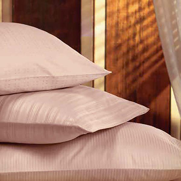 Almohadas con fundas color Rosa viejo