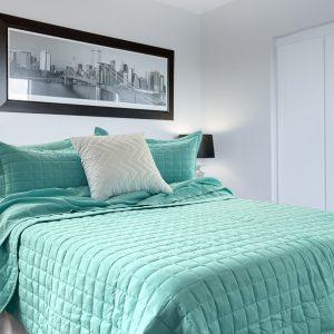 tt blanqueria, habitación con un cover sobre la cama